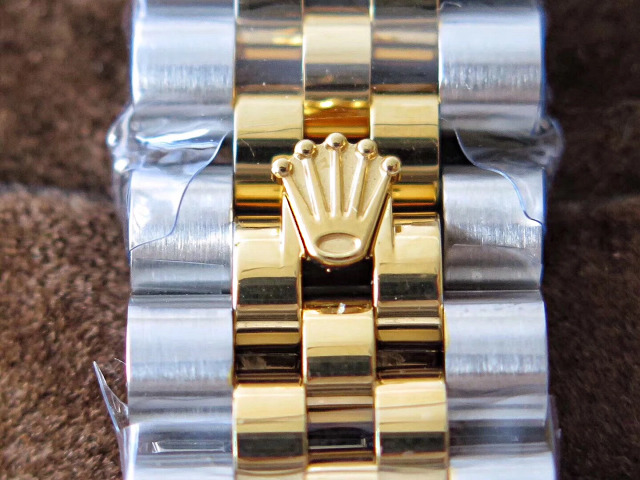 Replica Rolex Buckle on Two Tone Bracelet
